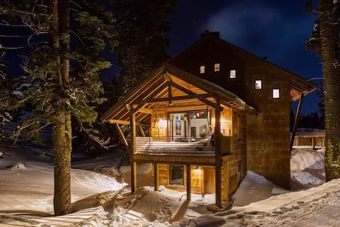 Private Mountain Getaway - Serene Beauty