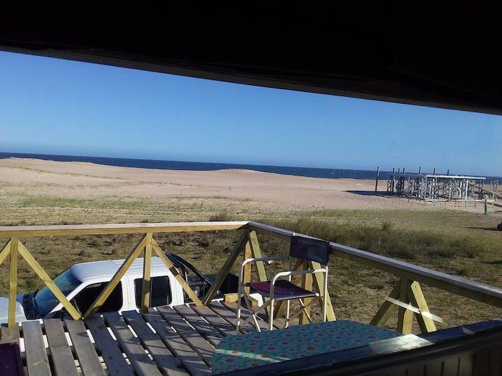 LO DE CRIS cálida casa en madera frente al océano