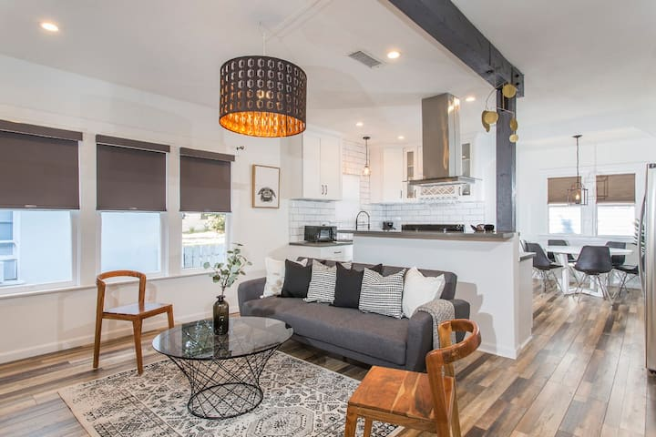 ★★SPECTACULAR FULLY RENOVATED LONG BEACH HOME★★