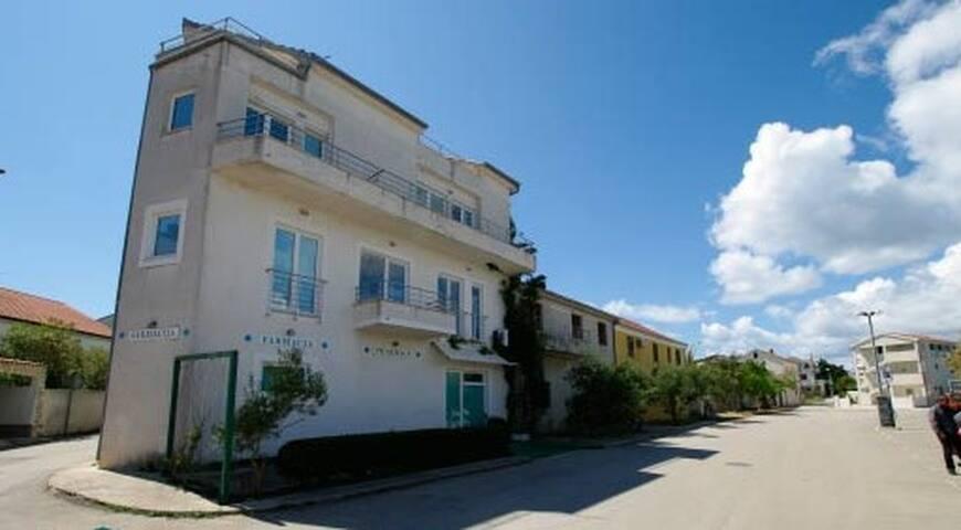 Apartment Luke beach Murter ID 716