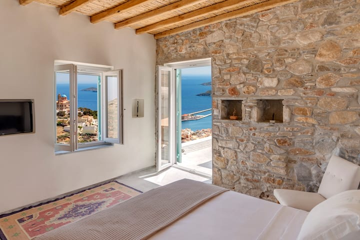 "Executive Room with Balcony & Sea View-""Monastery"""