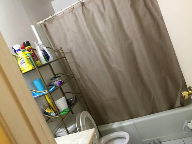 Private Room Upstairs in Lakewood - Lakewood - Huis