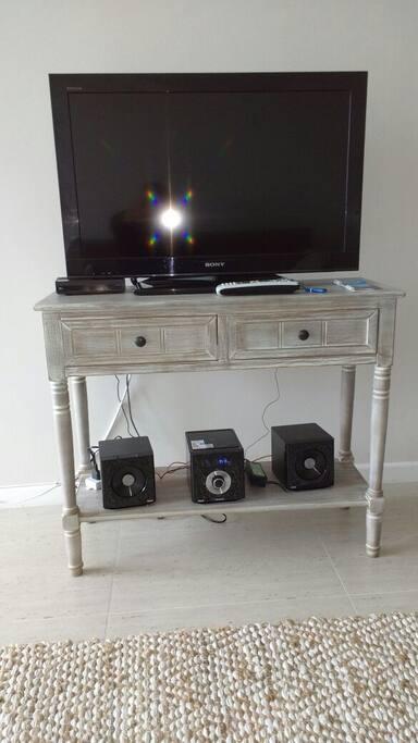Zona living Equipado con Tv Cable y equipo de música
