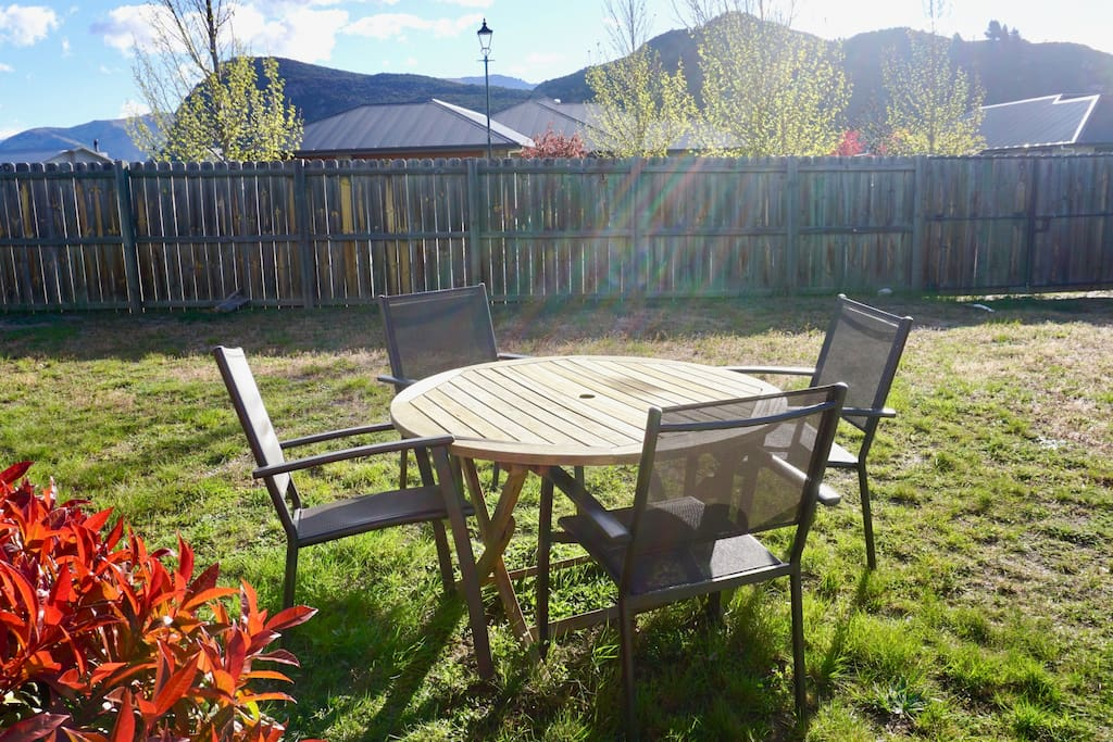 Relax in the hot Central Otago heat in your own private yard viewing Mt Iron