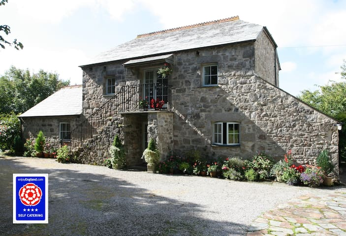 Torr House Cottages - Hollyhock - Blisland - Casa