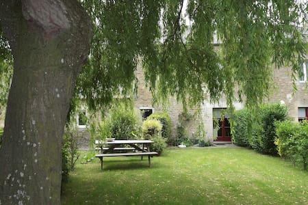 Gîte spacieux et agéable dans la belle Normandie - Hus