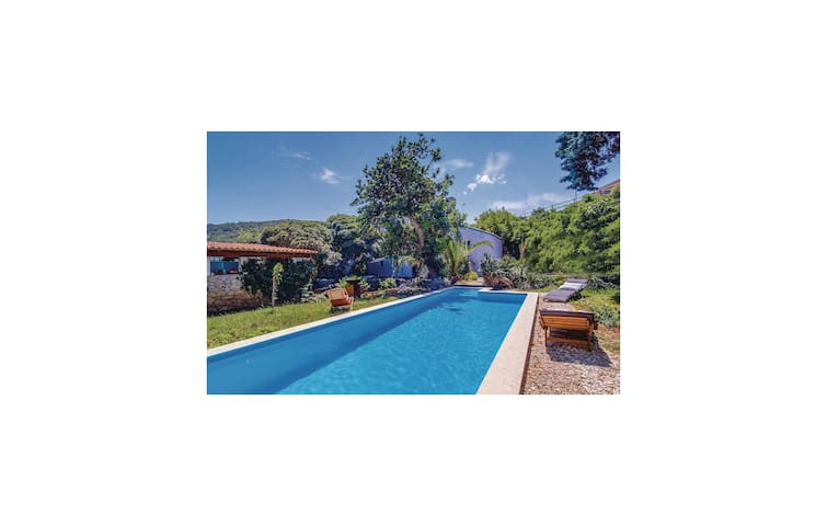 Holiday cottage with 2 bedrooms on 77m² in Mali Losinj