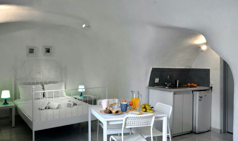traditional cave house for 3-4 pers - Μεσαριά - Apartment
