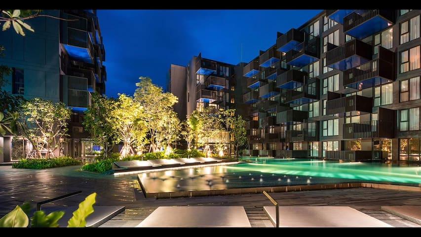Provide  cars,接送机、5分钟步行至芭东海滩,无边泳池,35平精致泳池公寓