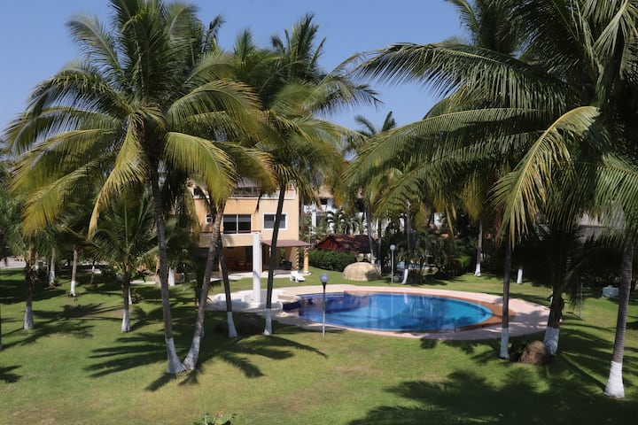 Casa Son Vida, frente a la Isla Acapulco