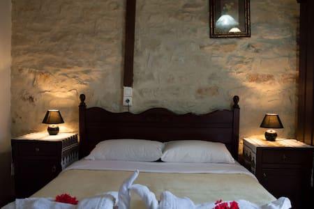 Maisonette 2 Bedrooms, 4-6 Adults