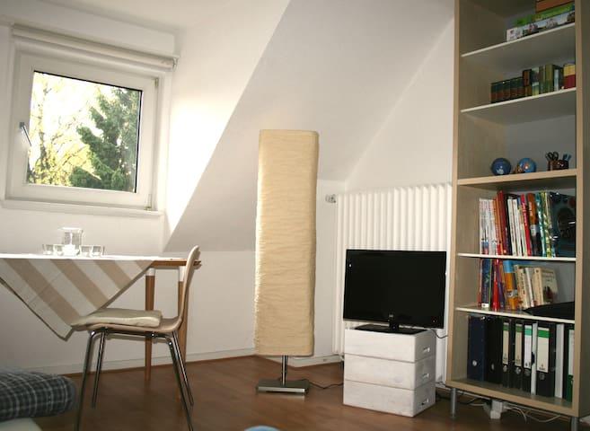 Cosy and quiet flat close to city of Bremen - Bremen - Apartment