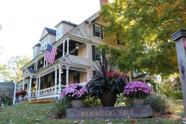 Wainwright Inn Bed & Breakfast - Great Barrington - Bed & Breakfast