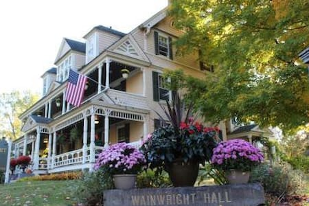 Wainwright Inn Bed & Breakfast - Great Barrington