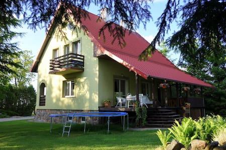 Pokoje w domu jednorodzinnym na Mazurach