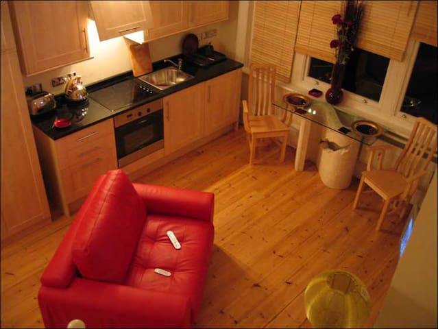 Studio,  Old City Centre - Bristol - Apartment