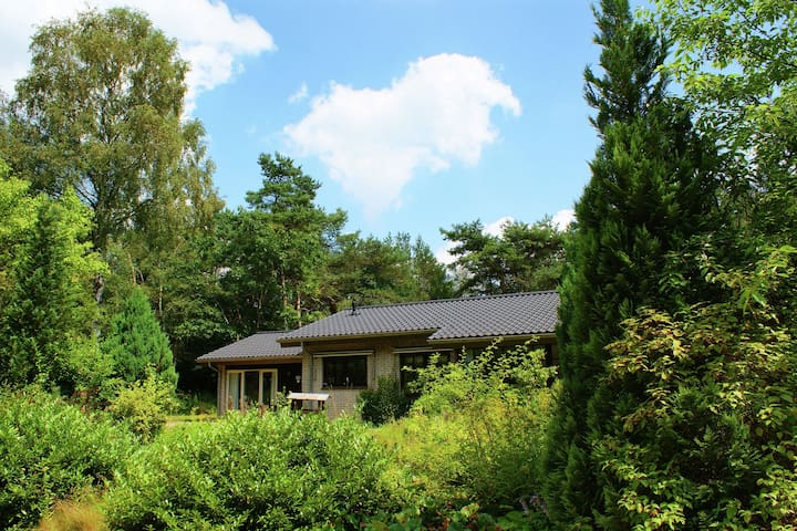 Romantic, 8-person holiday home, set in country estate 'Ullerberg', near Ermelo