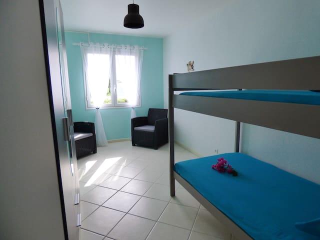 chambre 1 - 2 lits superposés