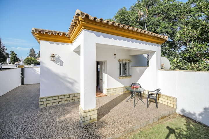 Holiday Home Los Paraisos 1 with Wi-Fi, Garden, Terrace & Shared Pool; Parking Available