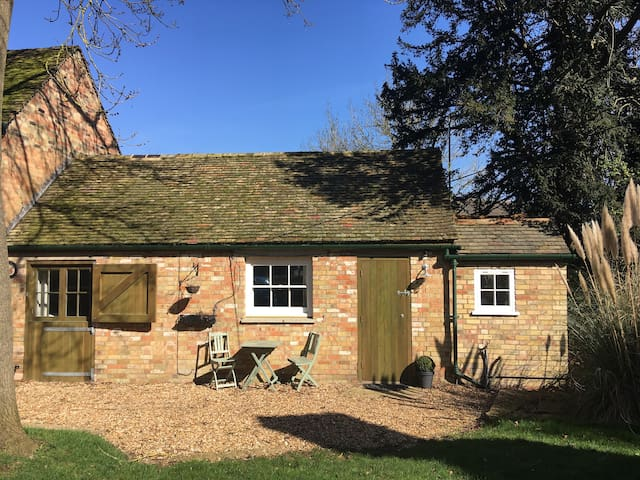 Cosy Country Coach House, GRAFHAM, Cambridgeshire