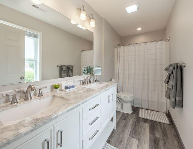 Upper Master Bathroom