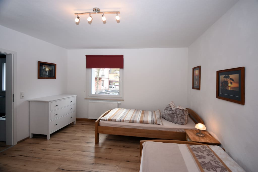 Schlafzimmer 2 / sleeping room
