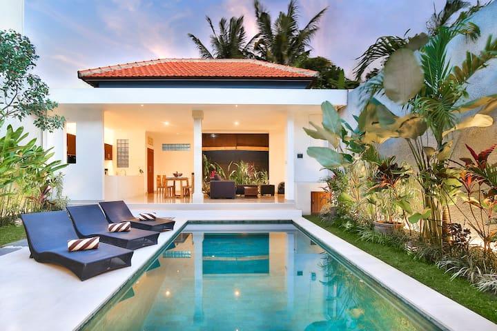 Villa Mia in the Heart of Seminyak, Bali