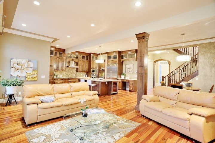 Luxuriouse House 7BR+5BA Near Kensington, Downtown