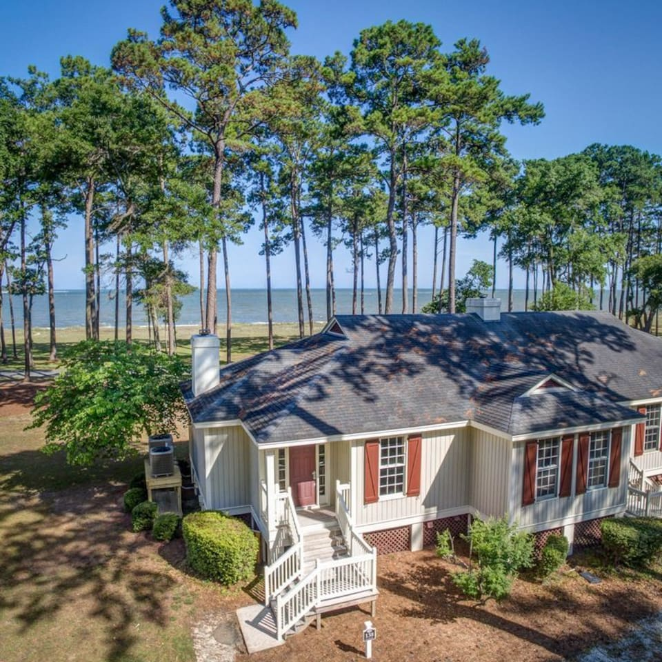 The incomparable Beach Break Cottage
