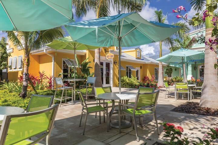Jimmy Buffett's Margaritaville Resort STUDIO SUITE