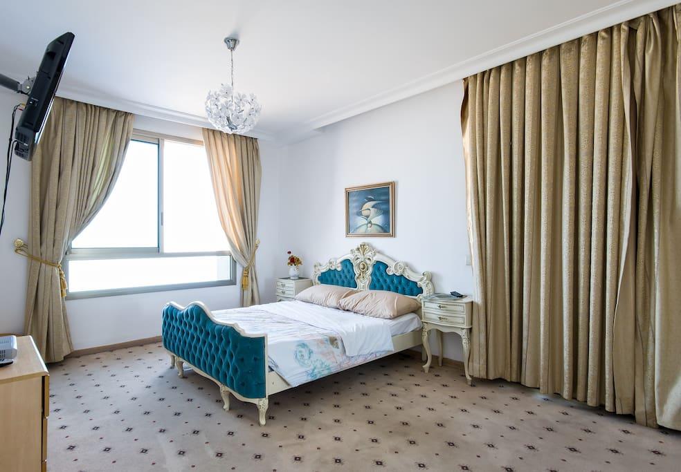 big bedroom1