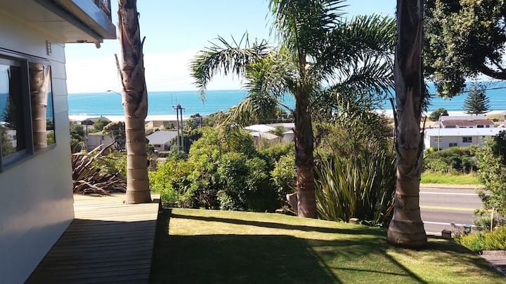 Ocean Breeze Studio - Ohope Beach - Amazing Views.
