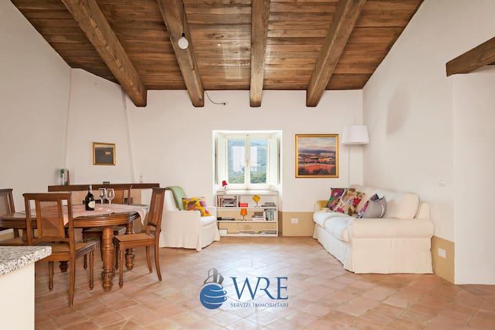 Fantastico appartamento al Borgo di Postignano - Postignano - Hus