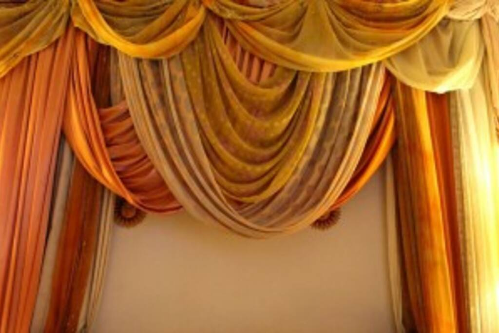 details exotic wall decoration double bedroom.