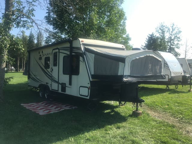Kawartha lakes Hybrid trailer for rent