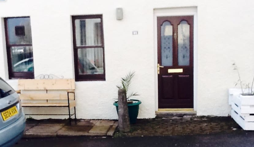 No 1 Shore Wynd, Invergordon - Invergordon - House