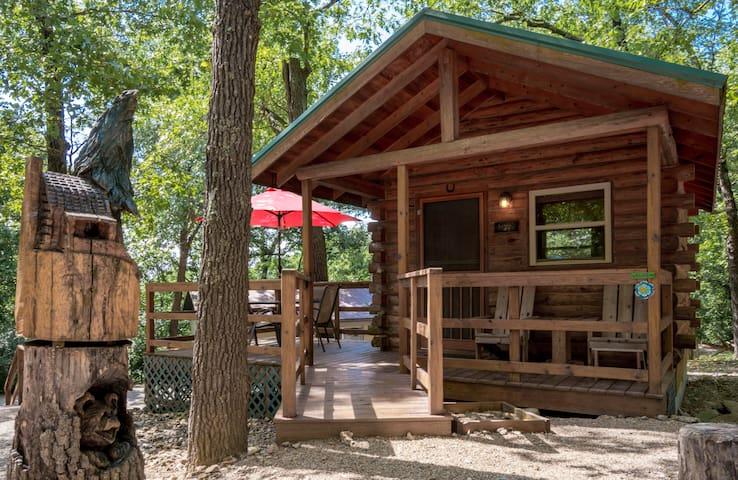 Eureka Springs KOA Campground couples cottage