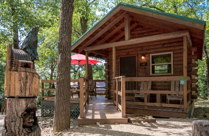 Eureka Springs KOA Campground couples cottage