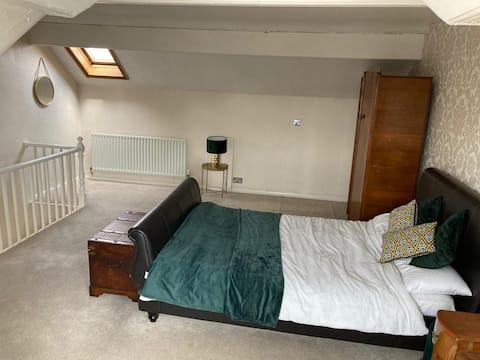 Cosy 2.5 Bedroom House