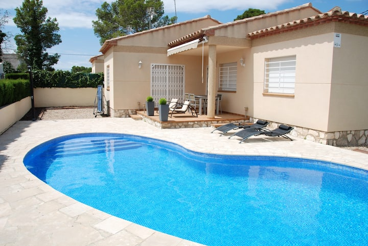 House with 3 bedrooms in Les Tres Cales, with private pool, enclosed garden and WiFi - 800 m from the beach