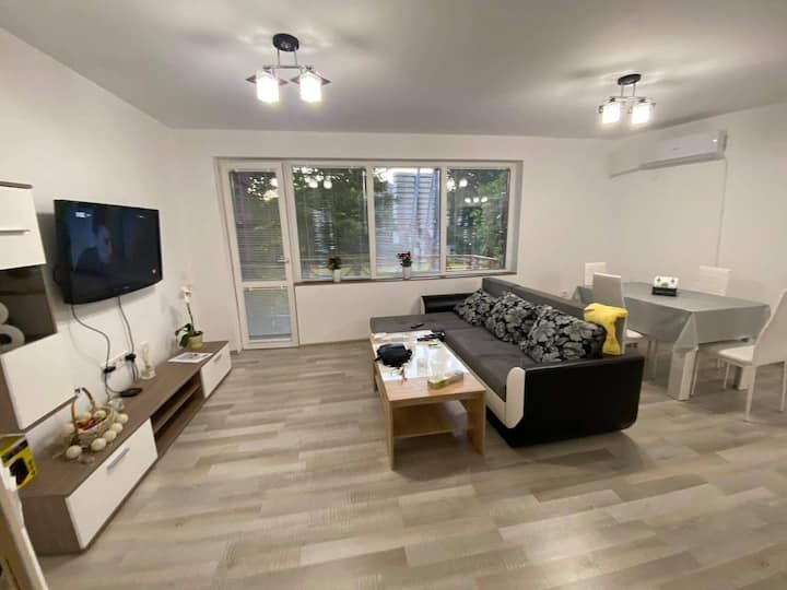 Yani's apartment-great location and all amenities