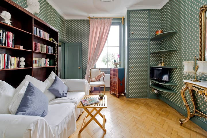 Fabulous Studio Apartment in the heart of Chelsea