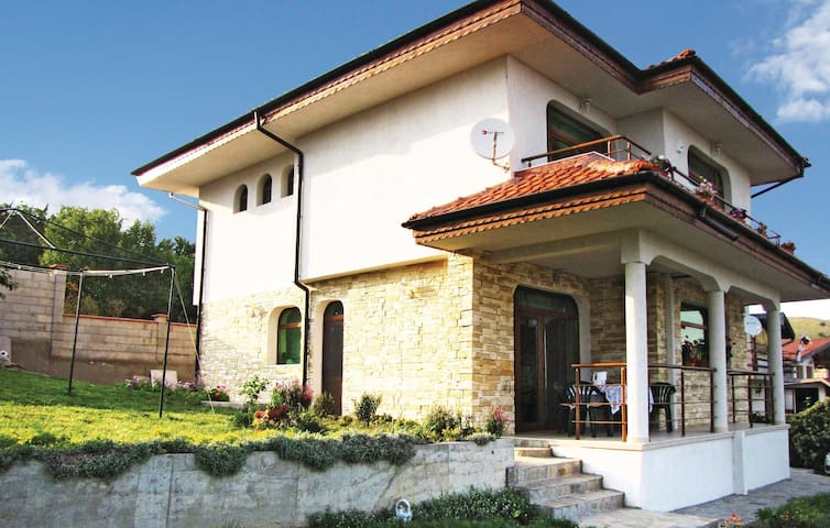 Holiday cottage with 3 bedrooms on 151 m² in Balchik