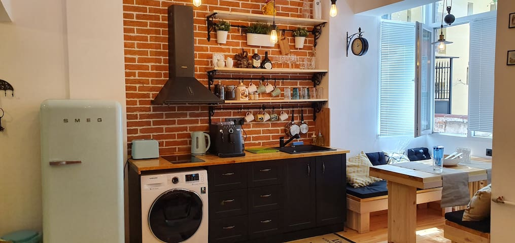 A fully stocked kitchen - just bring your cooking ideas and energy!