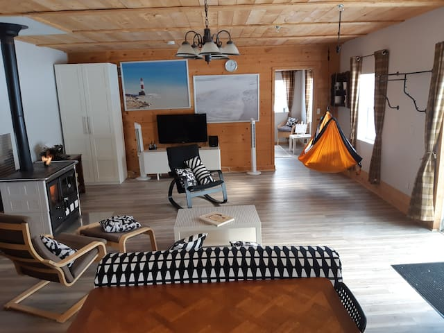 Eco-Friendly Off-Grid Tranquility Retreat.