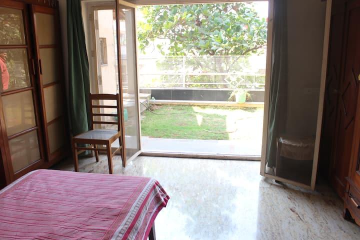 Sylvan room with garden Jubilee Hills