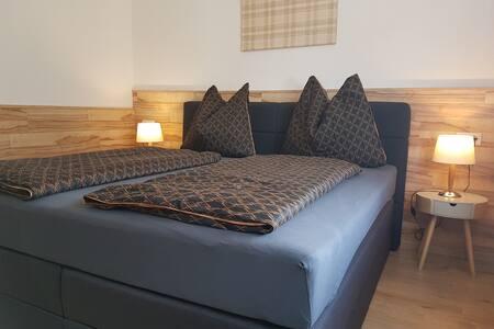 Großes Appartement - 4 Schlafzimmer KAMIN & SAUNA