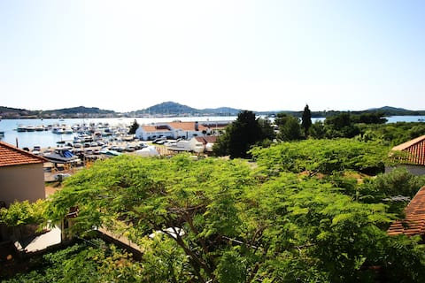 Murter: Soba u blizini Marine Hramina