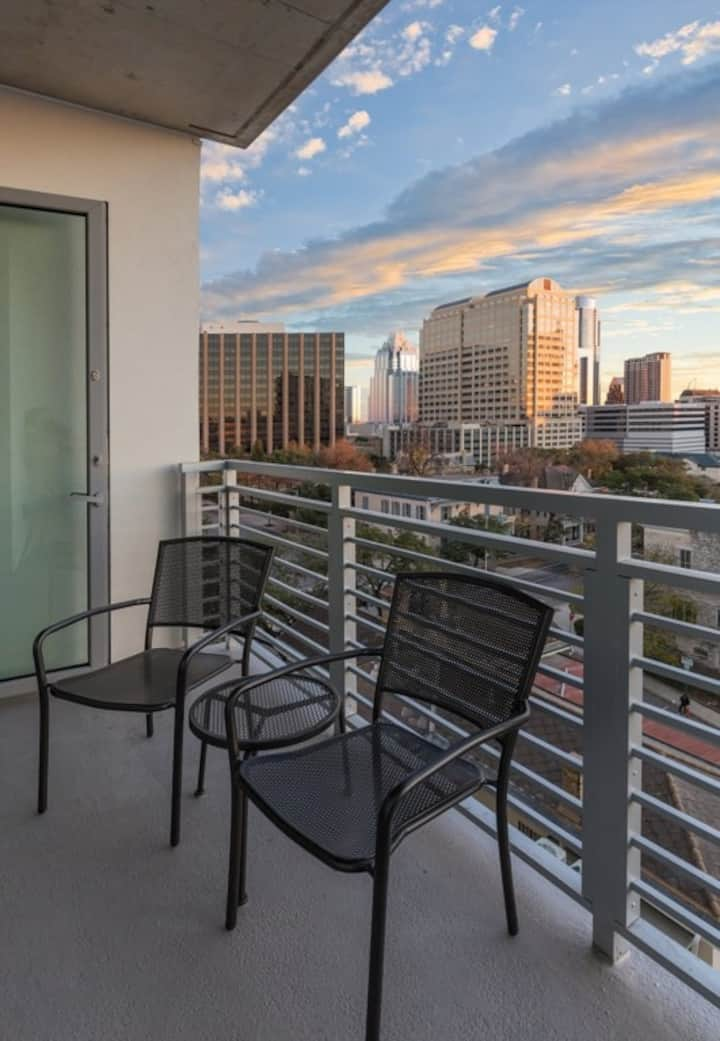 Cozy Club Wyndham Austin, 2 Bedroom Presidential