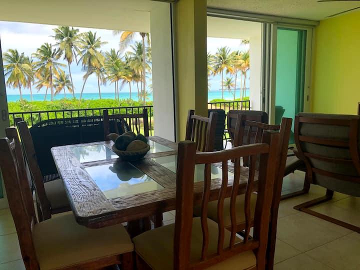 M Villa - Spacious True Full Ocean Front Retreat
